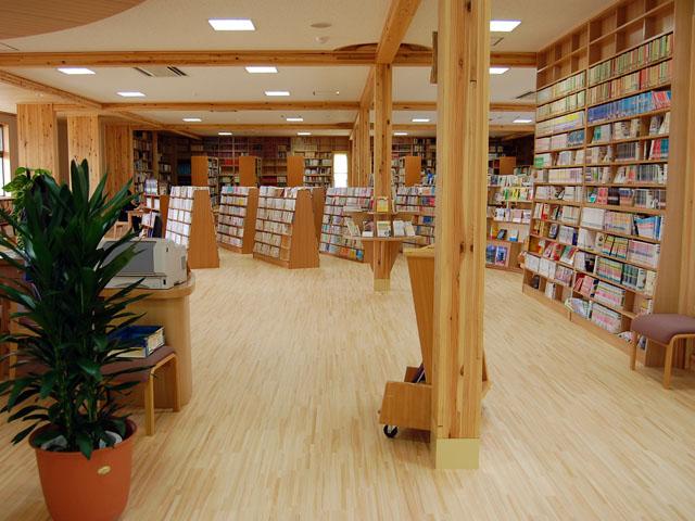 埼玉県立秩父高等学校図書館2